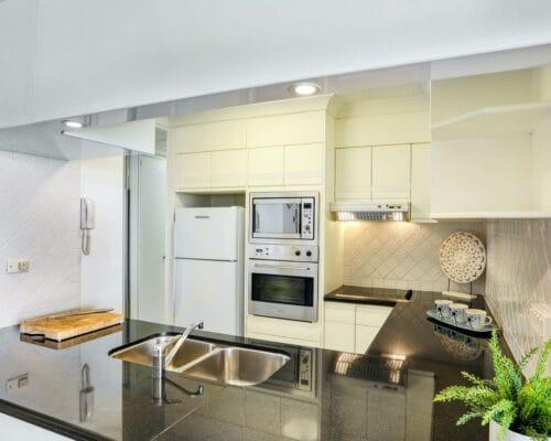 apartment-breakers-north-14d-4