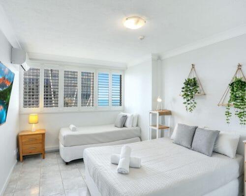 apartment-breakers-north-14d-5